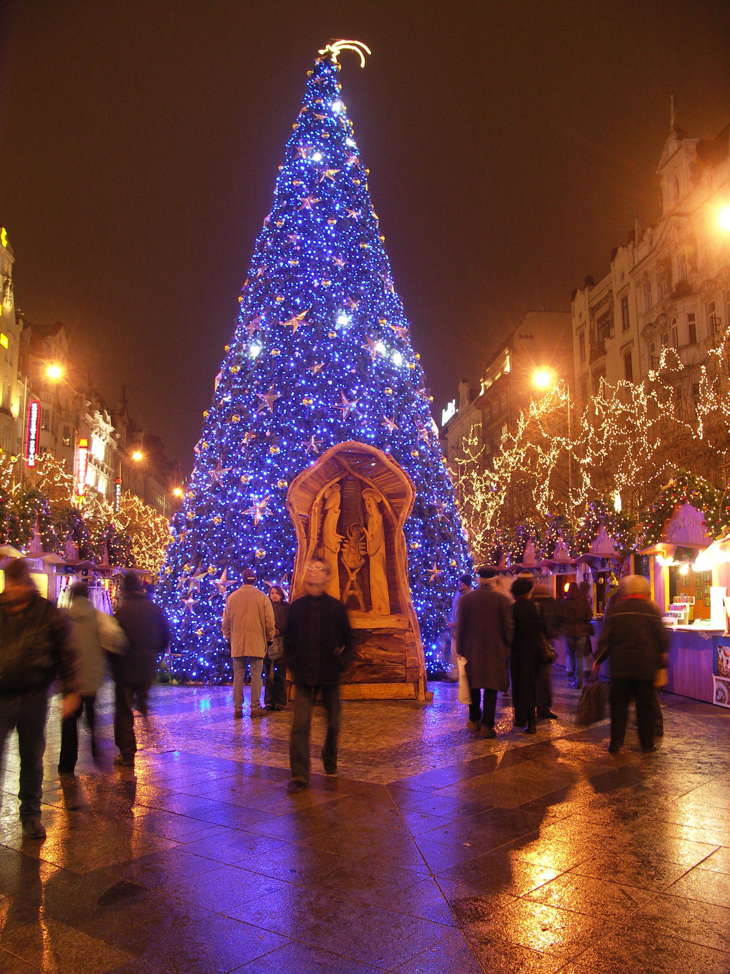 Christmas Tree and Christmas Eve - Prague eu