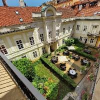 Photo: www.smetanahotel.com