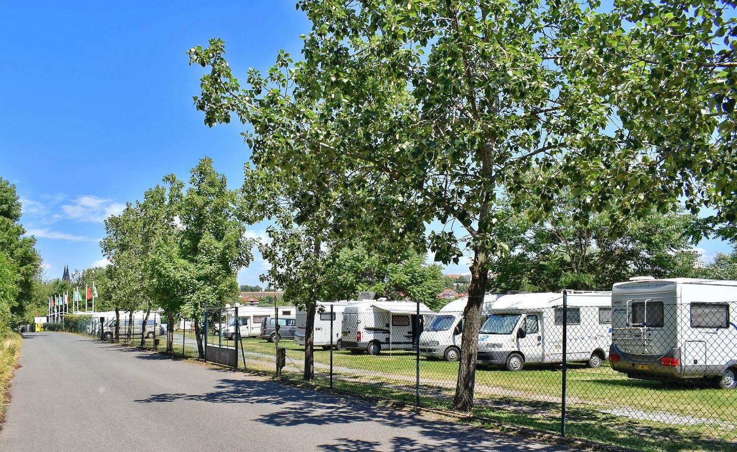 caravan camping. Black Bedroom Furniture Sets. Home Design Ideas