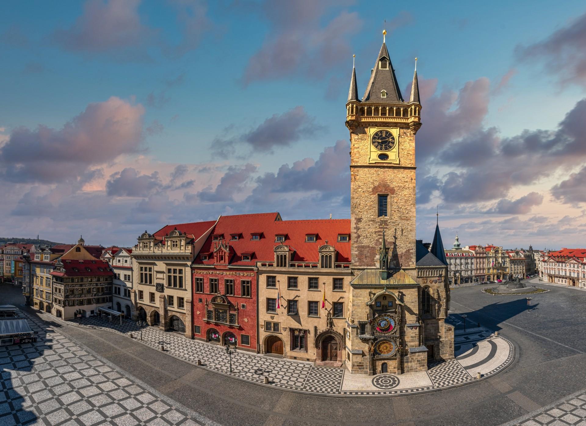 Old Town Hall with Astronomical Clock (Staroměstská ...