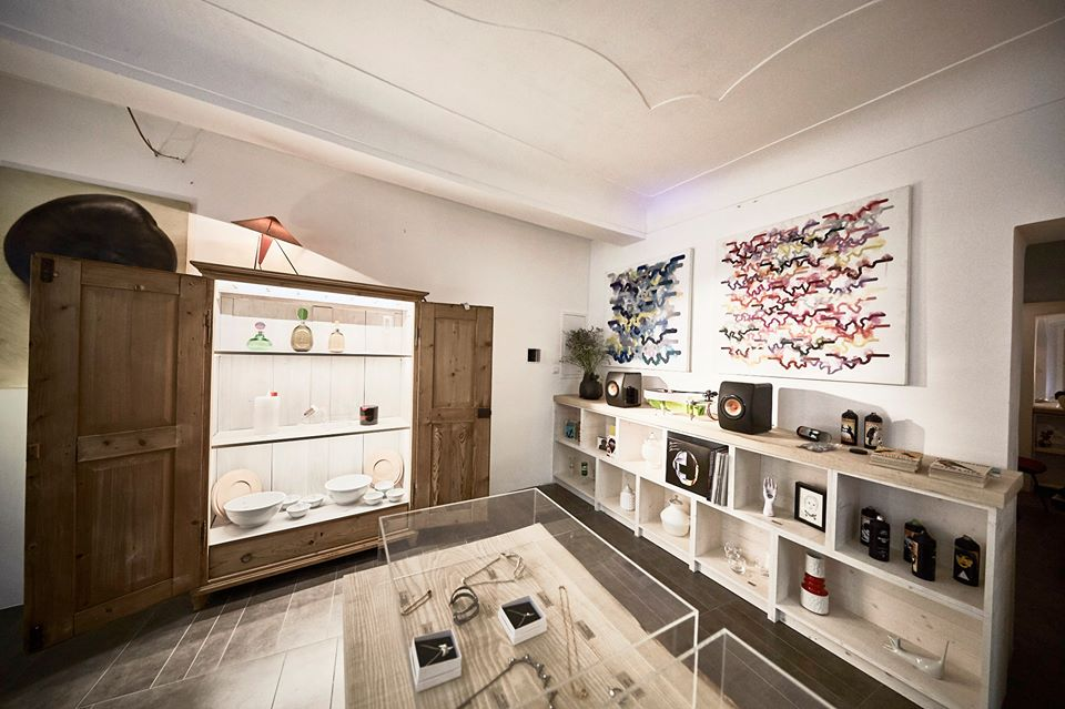 The chemistry design store for Prague design