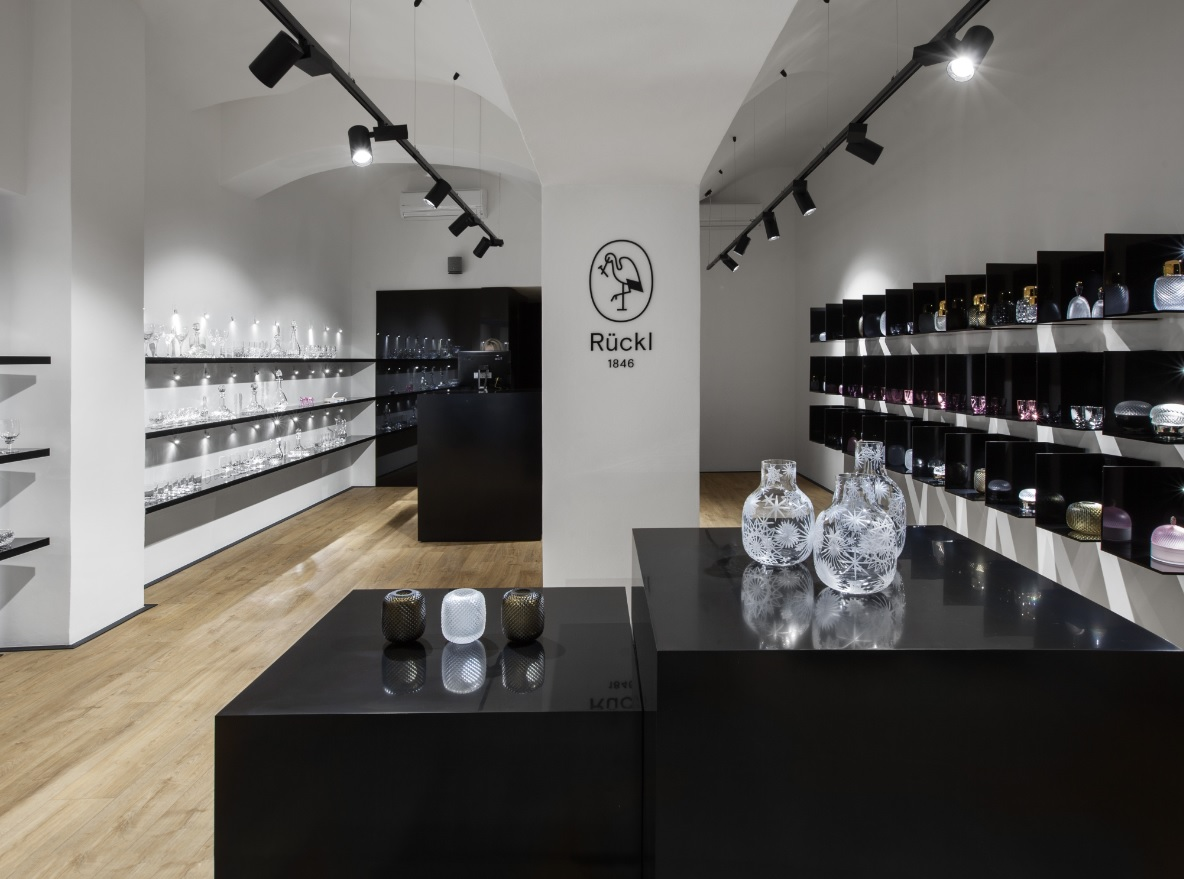 21 with Ruckl Flagship Store on Zara Opens New NYC Flagship Store In SoHo 664797 moreover Diesel Devoile Son Nouveau Concept De Magasin A New York 603001 likewise 226290 also 1799030 likewise Index.