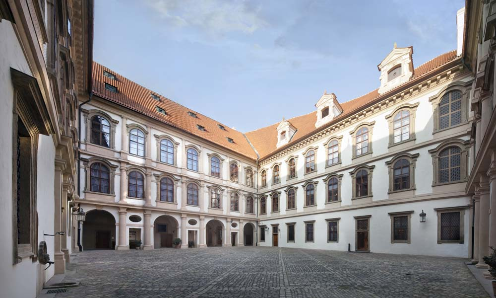 Wallenstein Palace (Valdštejnský palác) - Prague.eu
