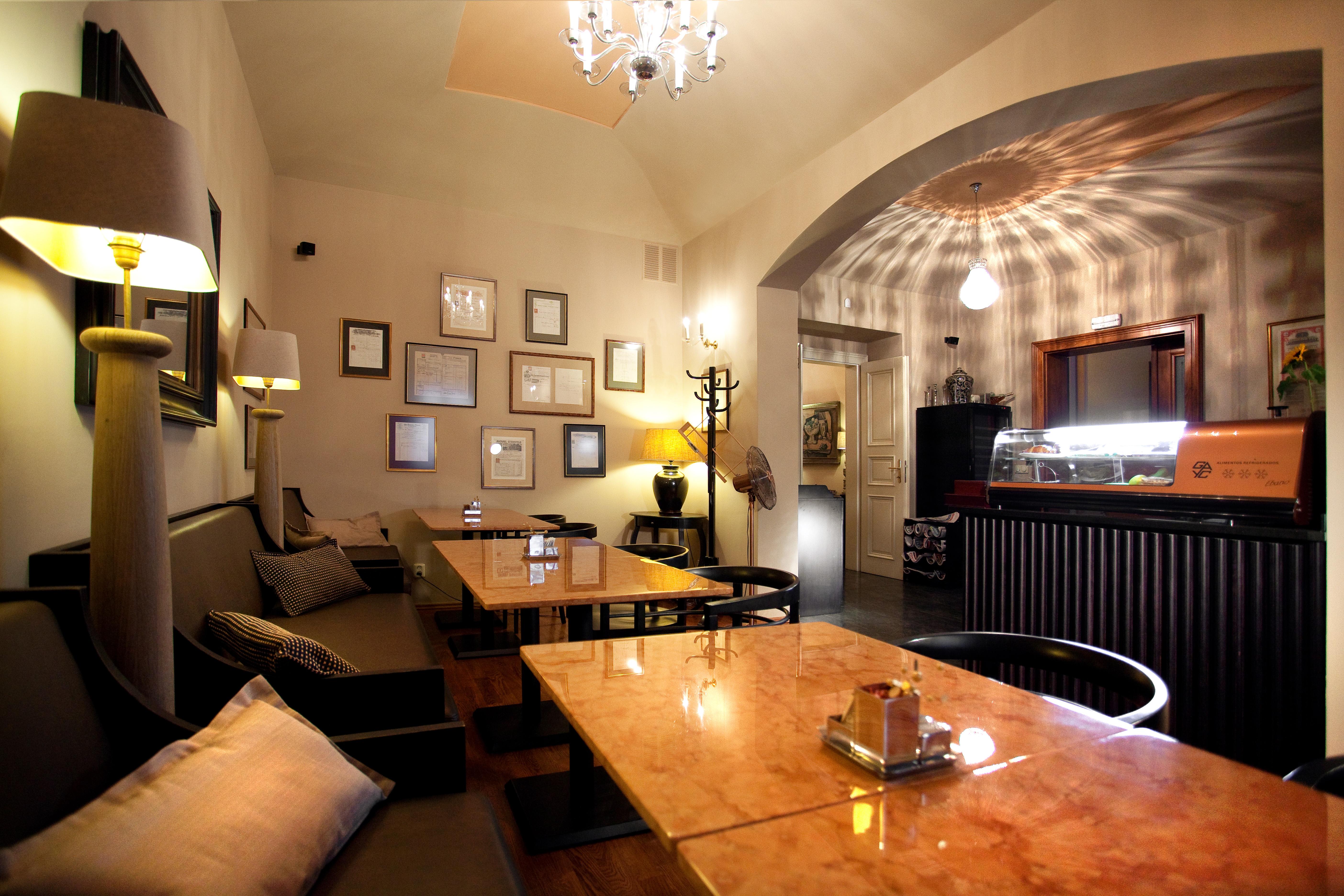 Café Lounge - Prague.eu